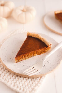 Healthy Vegan Pumpkin Pie Veggiekins