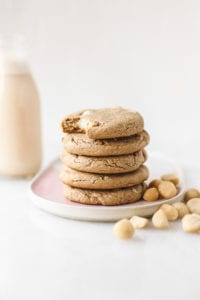 Vegan White Chocolate Macadamia Cookie