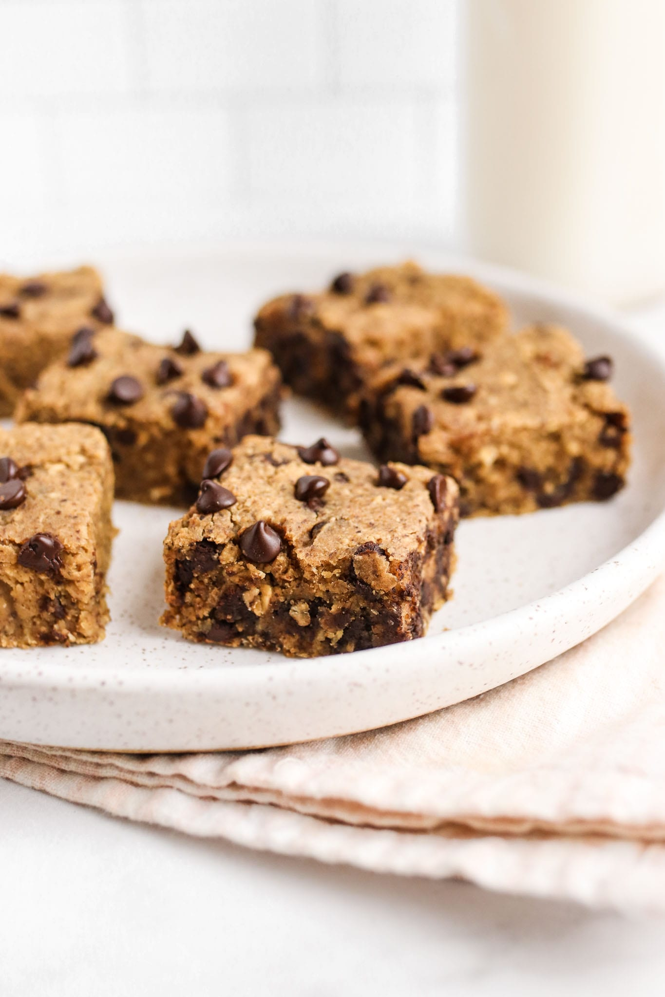 Chocolate Chip Chickpea Blondie Veggiekins