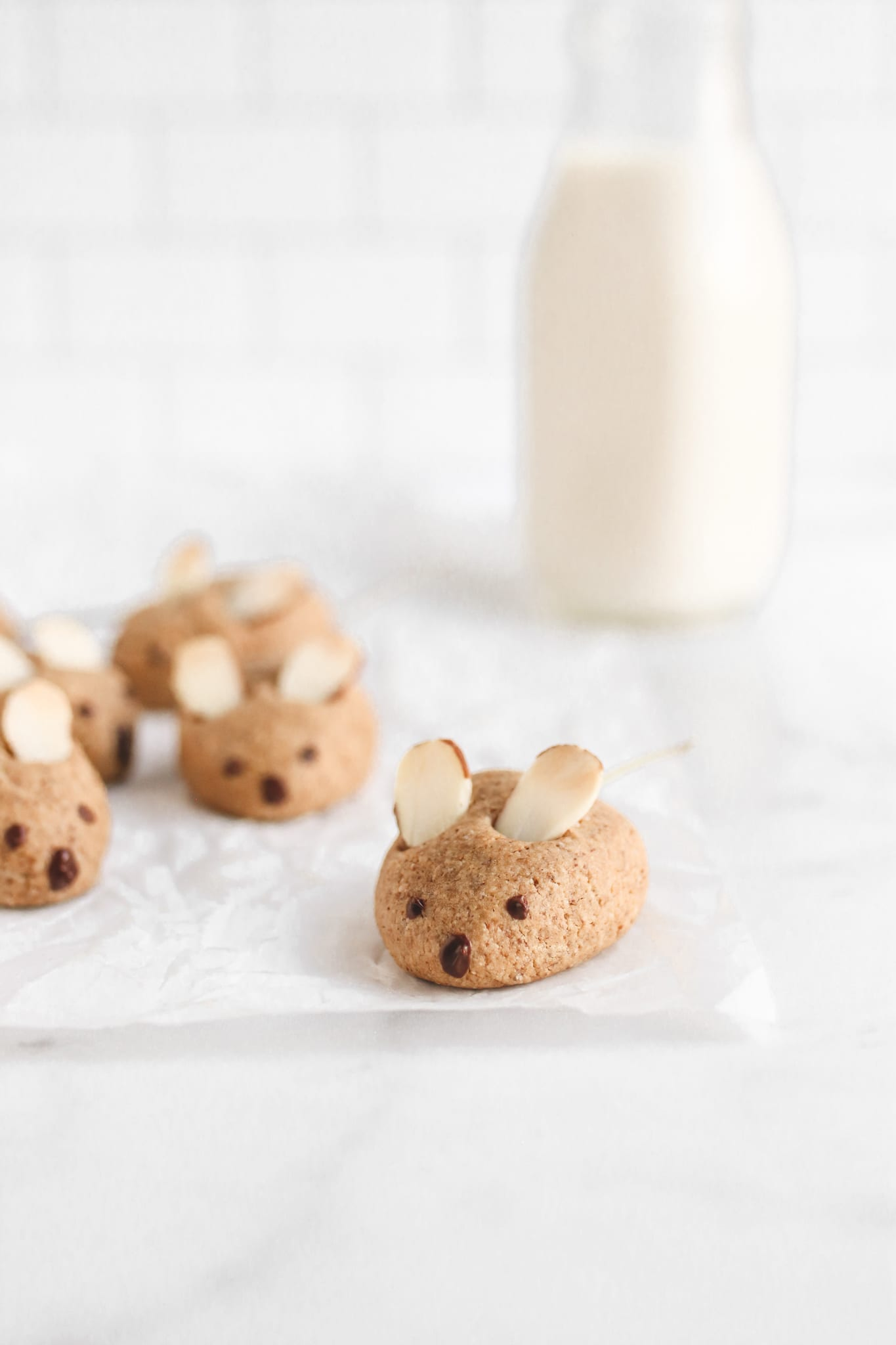 veggiekins vegan almond mouse cookies