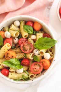 veggiekins vegan caprese pasta salad